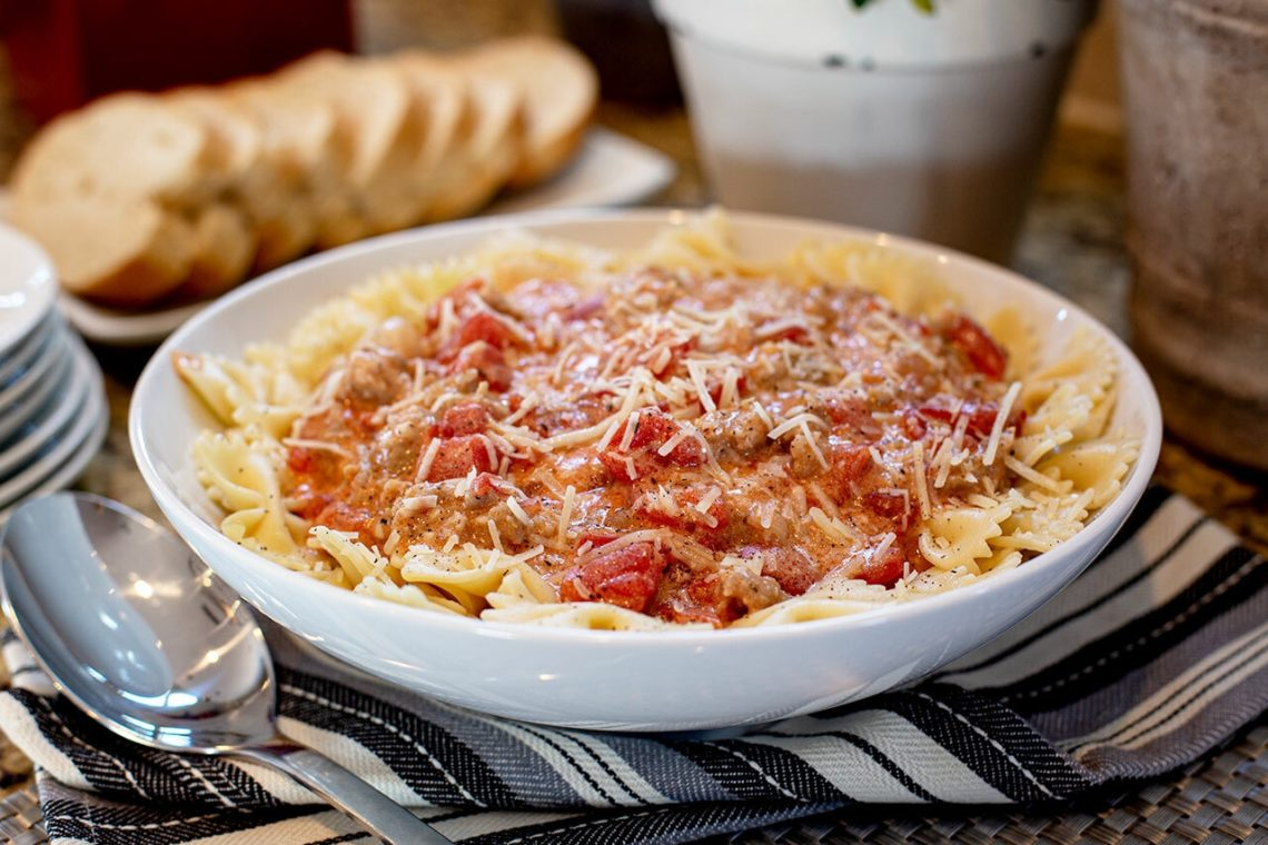 CanCooker Bow Ties with Italian Sausage, Tomatoes and Cream