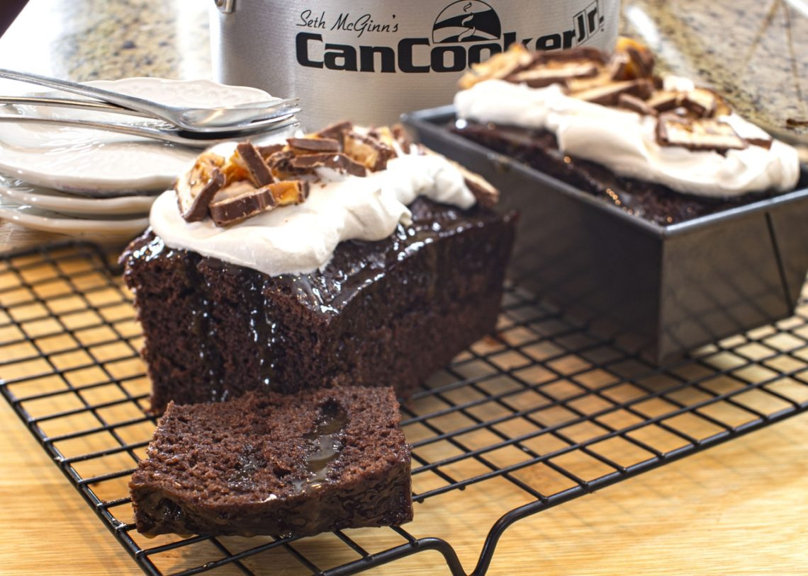 Snickers Poke Cake, Dessert, Chocolate Cake